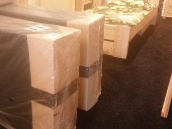 Boxspring boxen NIEUW testmodel voor hotel  2x   80 x 210cm EXTRA HOOG 30 cm