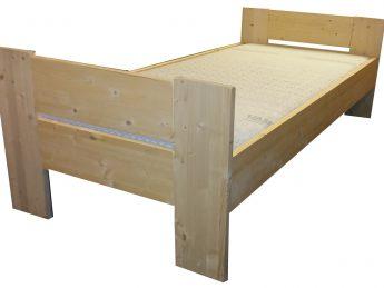Houten Bed - Stephanie C+C