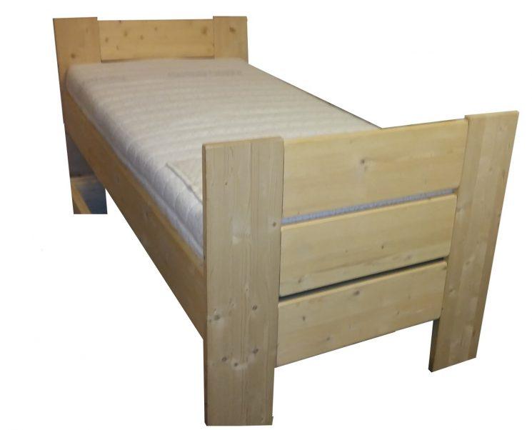 Bed Stephanie E + E