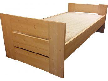 Bed Stephanie D + D